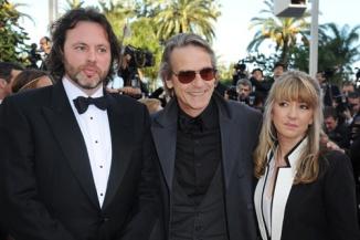 Titus Ogilvy, Jeremy Irons, Candida Brady at Cannes 2012 Sensacine.com