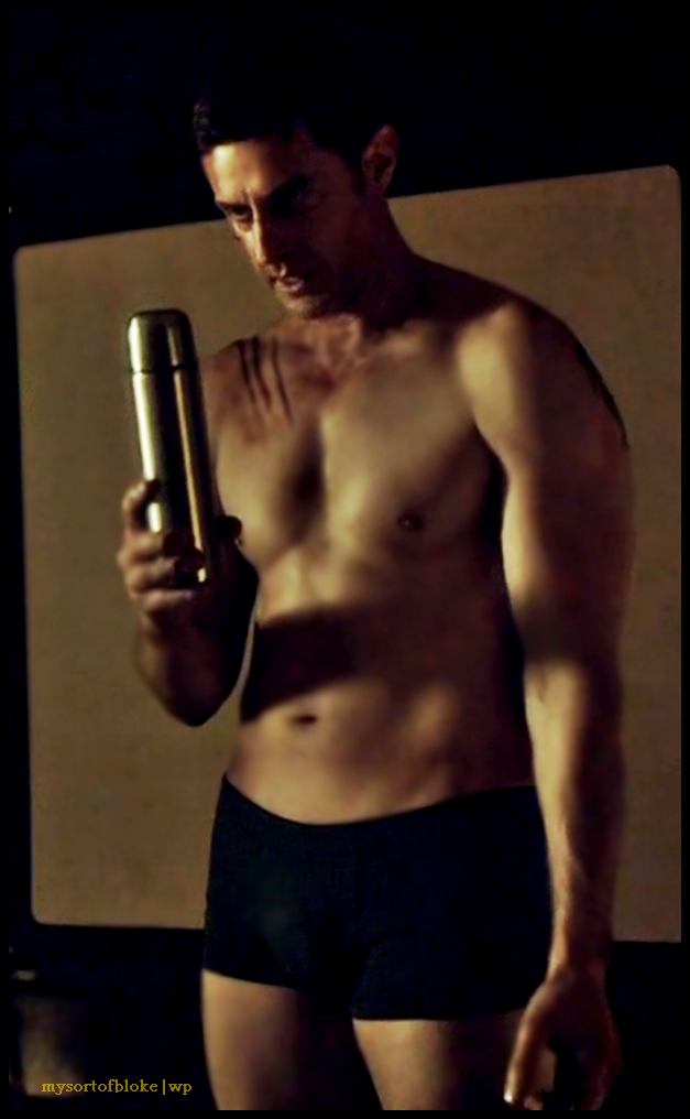 francis-dolarhyde-holding-the-thermos-my-edit-22aug2015