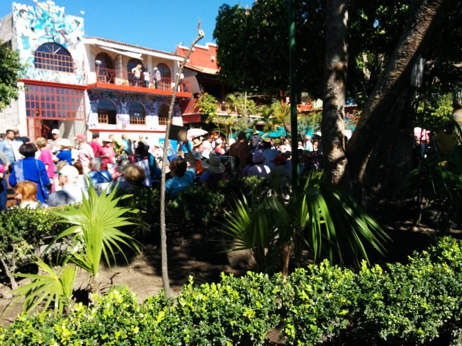 rally-prio-to-womans-march-ajijic-plaza